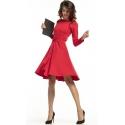 Sukienka rozkloszowana z paskiem w kolorze czerwonym T287